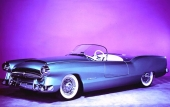 En originalbild på 1954 Plymouth Belmont, lackerad i medium metallic Azure Blue.