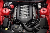 2011 Ford Mustang GT med ny 5.0L V8 och 412 hk