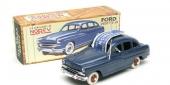 """1954 Ford Vedette i """"Norev Originales Series"""" — kompletterad med en mörkare blå nyans."""