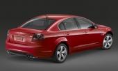 Och med 6,0-liters V8 under huven måste naturligtvis även G8 GT ståta med fyra avgaspipor.
