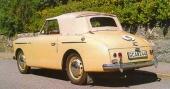 Liten bakruta och breda sufflettstycken kännetecknade flertalet brittiska öppna bilar från det tidiga 50-talet. Austin A40 Sports tillverkades bara i 4.011 exempler mellan 1950 och 1953, varav två finns i Sverige.