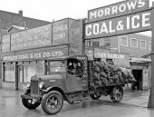 Kol-leverans med en 1915 Stewart i Vancouver