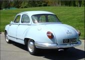 Större baklampor kom till 1957, liksom ändrad instrumentpanel och mindre förändringar i hjulupphängningen.