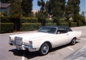En 1969 Lincoln Continental Mark III i fint skick.