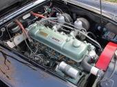 Dubbla förgasare och 6-cyl toppventilsmotor på 2,639 liter och 102 hk.