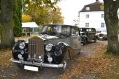 Från starten i Skänninge med 1959 Rolls-Royce Silver Wraith i täten.