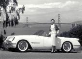 Chevrolet EX-122 på Motorama-utställningen i New York den 17 januari 1953. Bakgrunden är bara en kuliss. Men bilen och damen var verkliga!