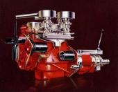Den lilla 4-cyl motorn på 1,6 liter var prydlig, men matchade inte resten av bilen!