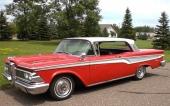 Allt för mycket Ford över 1959 Edsel. Men den framträdande grillen var kvar, om dock förminskad.