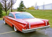 Helt ny design igen till 1960. Men tveklöst en modernare formgivning, även om den är en uppsnofsad Ford.