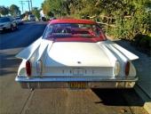 Det är lätt att identifiera 1960 Edsel bakifrån.