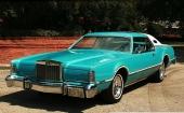 1976 blev sista årsmodellen av Lincoln Continental Mark IV. Observera att samtliga bilar på bilderna är i nuläget 2011.