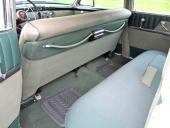 Gott benutrymme även i baksätet på 1953 Buick Roadmaster Riviera Sedan.