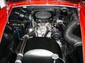 Den 321 cu.in. stora HEMI V8-motorn var imponerande för sin tid.