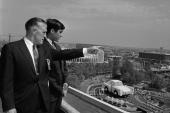 George W. Romney och hans son Mitt Romney den 18 maj 1964. Platsen är New York World´s Fair.