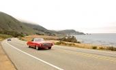 Ännu en rallyvy på den berömda väg 1 utefter Stilla Havskusten.