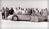 1954 satte denna specialbyggda Austin-Healey hastighetsrekord på Bonneville Salt Flats i Utah, USA med en snitt fart på 192,62 mph (308,2 km/tim).