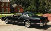 1979 Lincoln Continental Mark V. Sista årsmodellen av premium fullsize Continental.