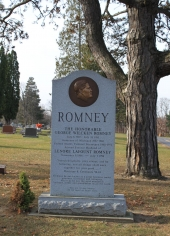 Romney´s familjegrav på Fairview Cemetery i Brighton, Michigan.
