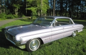 1961 Oldsmobile Ninety-Eight Holiday Hardtop Sedan