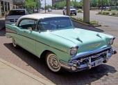 Redan till 1956 kom Bel Air Sport Sedan, men här ser vi 1957 års upplaga.
