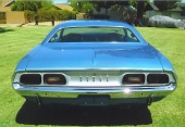 Med 1972 övergav också Challenger de breda baklamporna till förmån för dubbla baklampor med detta utseende.