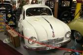 Och här en Tatra av betydligt nyare årgång! Det är en 1952 Tatra T 600 Tatraplan. Modellen såldes även i Sverige fram till 1953 (se specialartikel här i Motor-Life).