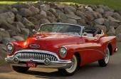 Ännu en bild på en 1953 Skylark. Bilen många drömde om då — och fortfarande gör nu!