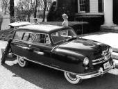 Den 23 juni 1950 kompletterades modellprogrammet med en 2dr stationsvagn. På bilden en 1952 Nash Rambler Custom Wagon.