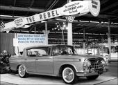 Den stora nyheten för 1957 var tveklöst Nash Rambler Custom Rebel 4dr Hardtop Sedan! En liten V8 fanns att tillgå i övriga Rambler, men Rebel försåg man med den stora V8:an på 327 cu.in.