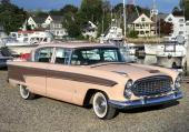 1957 års Nash Ambassador 4dr Sedan. Dubbla strålkastare, som en av de första serietillverkade bilarna! Modern och elegant, men lillebror Rambler tog flertalet kunder med storm!